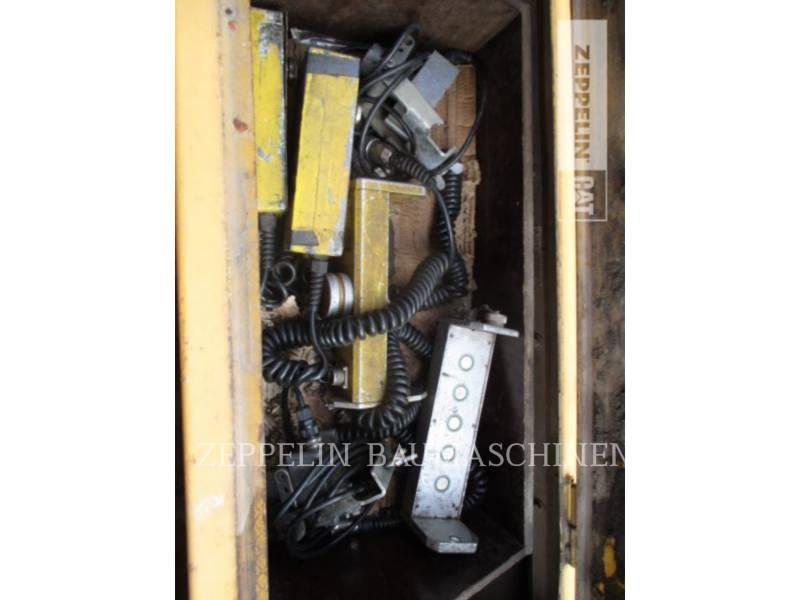 DYNAPAC ASPHALT PAVERS F182CS equipment  photo 10