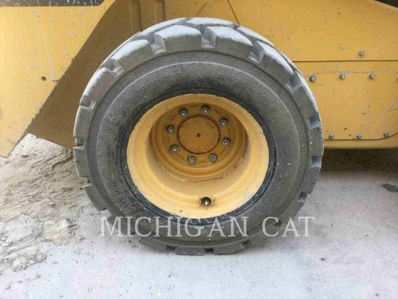 CATERPILLAR SKID STEER LOADERS 262C2 A2RQ equipment  photo 18