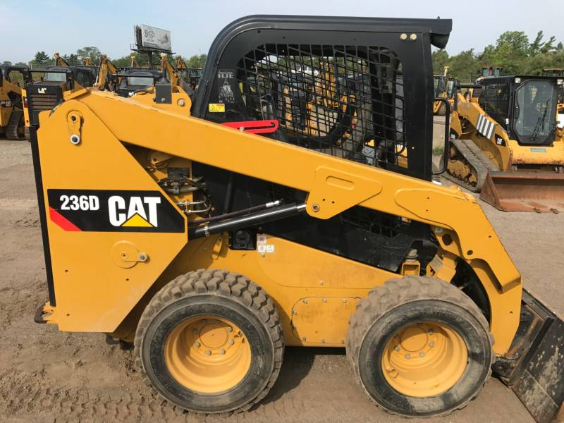 CATERPILLAR MINICARGADORAS 236D equipment  photo 14