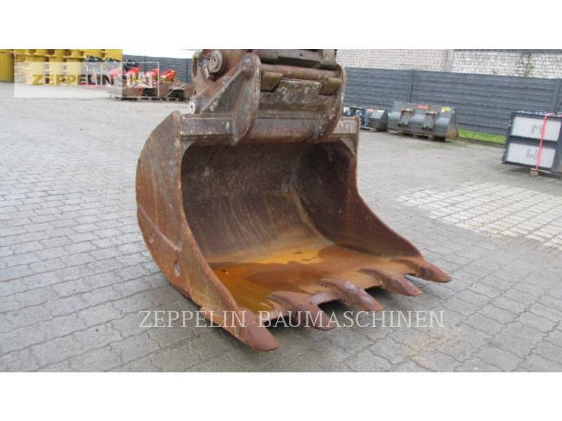 LIEBHERR PELLES SUR CHAINES R944C LITR equipment  photo 5