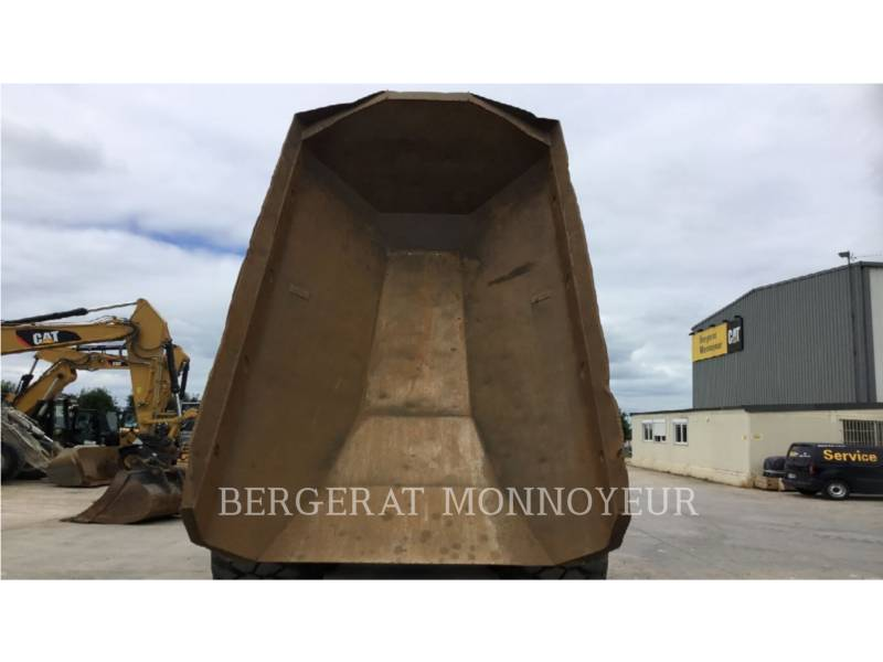 CATERPILLAR DUMPER ARTICOLATI 725 equipment  photo 7