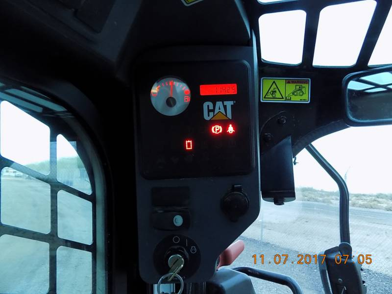 CATERPILLAR CHARGEURS TOUT TERRAIN 289C2 equipment  photo 11