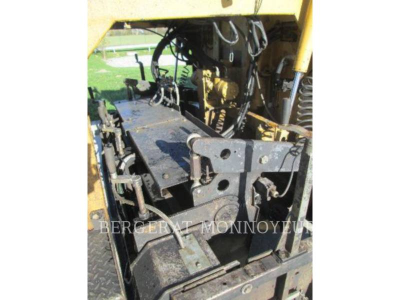 CATERPILLAR ASPHALT PAVERS BB621 equipment  photo 10