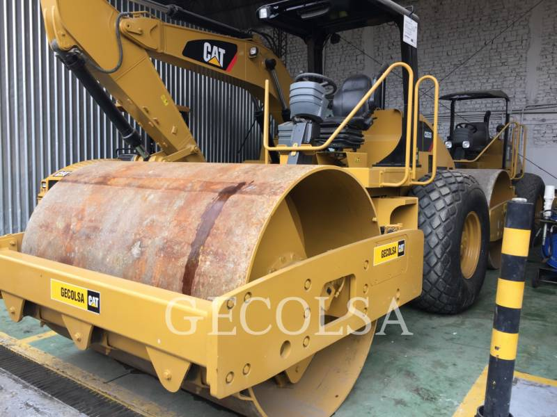 CATERPILLAR COMPACTEUR VIBRANT, MONOCYLINDRE LISSE CS-533E equipment  photo 2
