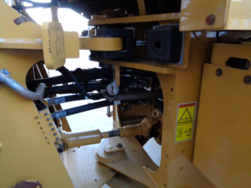 CATERPILLAR CARGADORES DE RUEDAS 930H equipment  photo 16