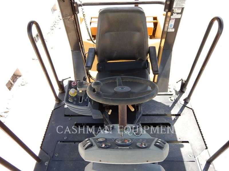 CATERPILLAR ASPHALT DISTRIBUTORS CB-434D equipment  photo 7