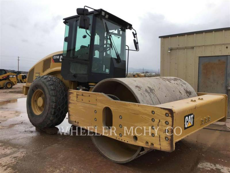 CATERPILLAR COMPACTEUR VIBRANT, MONOCYLINDRE LISSE CS74B equipment  photo 1