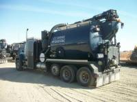 CATERPILLAR CAMIONS ROUTIERS CT660L equipment  photo 4