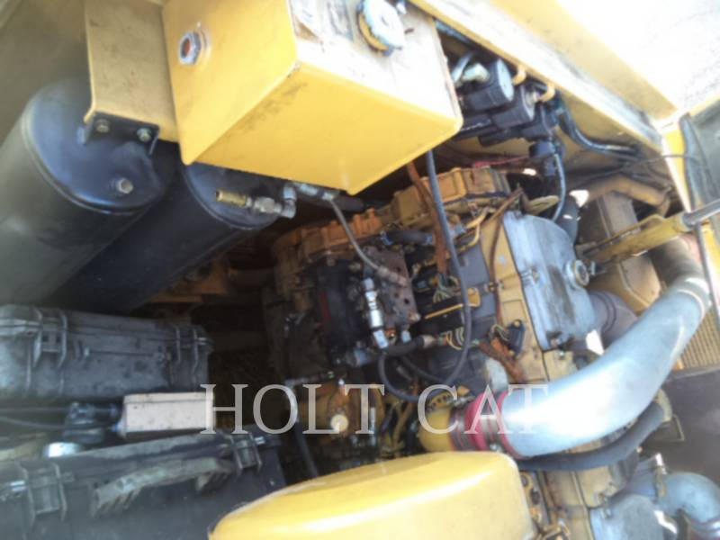 CATERPILLAR WT - COLD PLANER PM201 equipment  photo 8