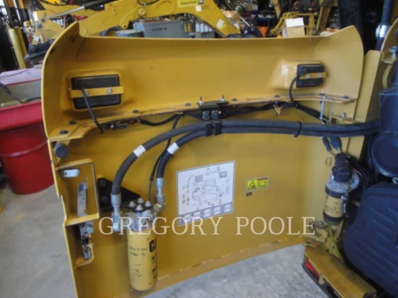 CATERPILLAR PALE CINGOLATE MULTI TERRAIN 257B3 equipment  photo 9