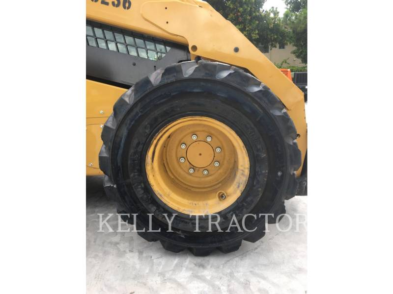 CATERPILLAR MINICARGADORAS 272D2XHP equipment  photo 9