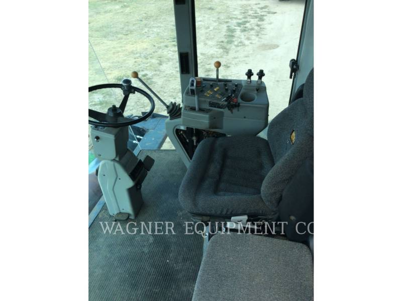 GLEANER COMBINADOS R72 equipment  photo 6