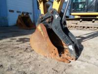 CATERPILLAR TRACK EXCAVATORS 305E equipment  photo 8