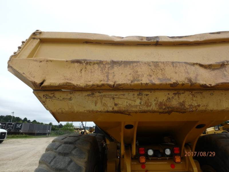 CATERPILLAR KNICKGELENKTE MULDENKIPPER 745C equipment  photo 21