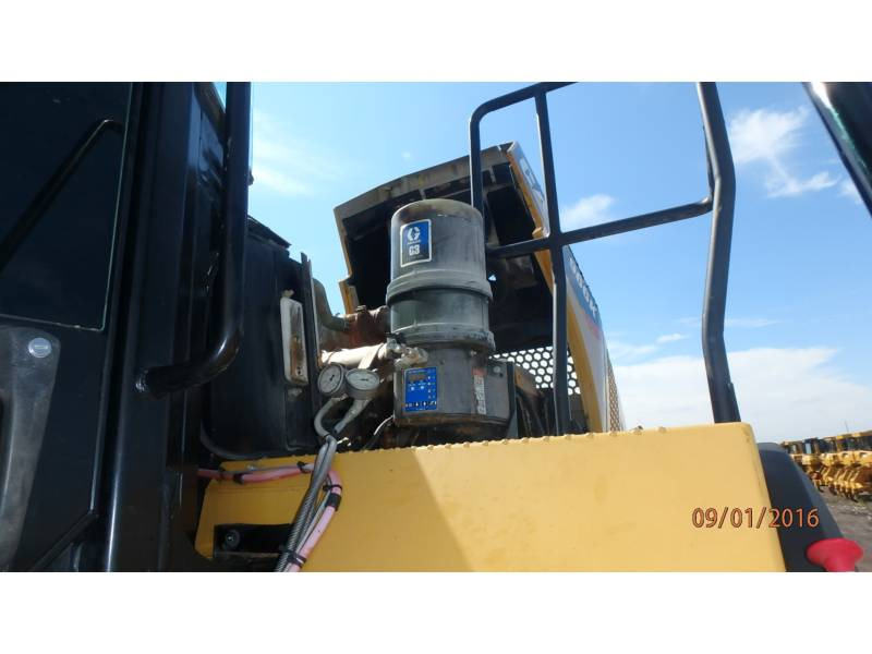 CATERPILLAR CARGADORES DE RUEDAS 966K equipment  photo 12