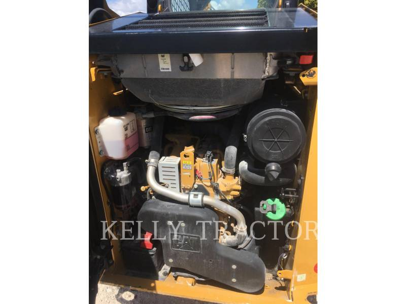 CATERPILLAR SKID STEER LOADERS 242 D equipment  photo 5