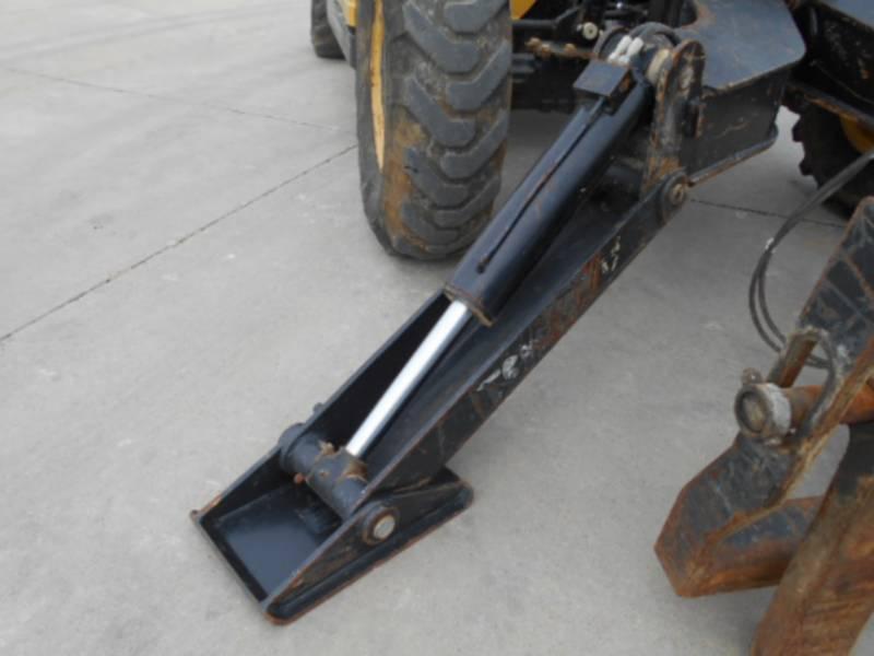 CATERPILLAR TELEHANDLER TL1055 equipment  photo 13