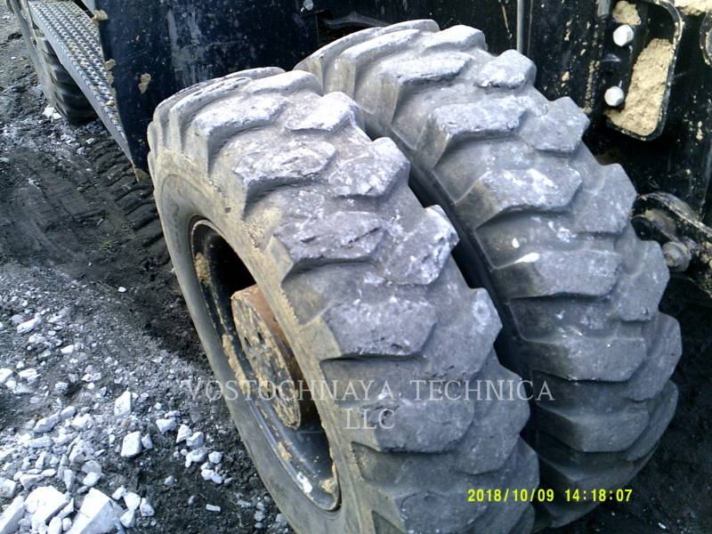 Caterpillar EXCAVATOARE PE ROŢI M318D equipment  photo 8
