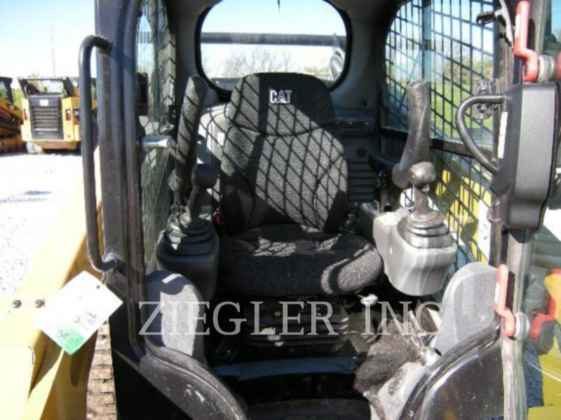 CATERPILLAR CHARGEURS COMPACTS RIGIDES 272DSR equipment  photo 5