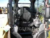 CATERPILLAR SKID STEER LOADERS 272D equipment  photo 5