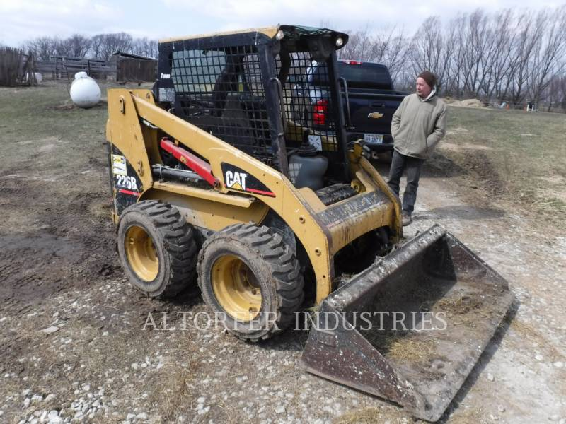 CATERPILLAR KOMPAKTLADER 226B MA7 equipment  photo 4