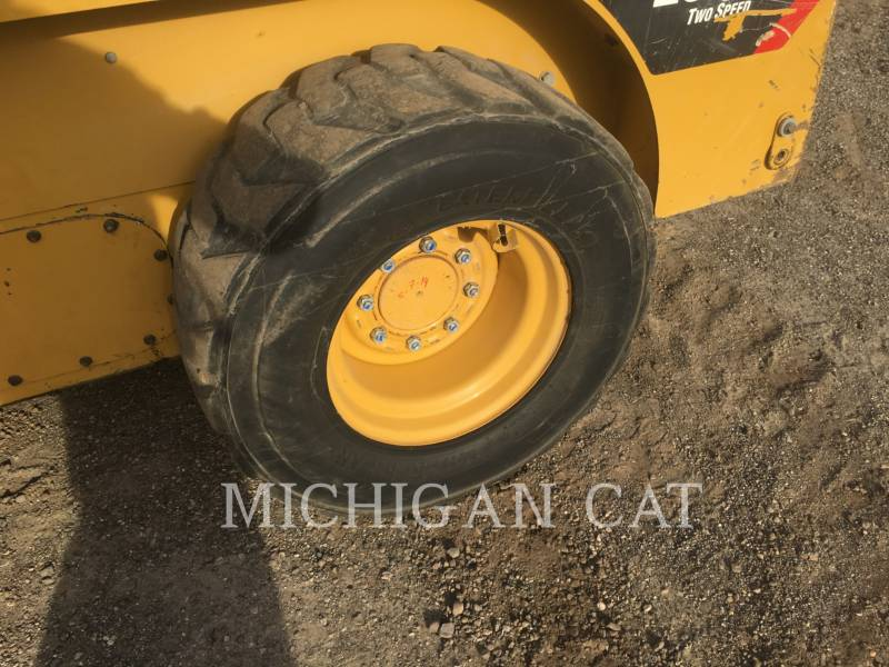 CATERPILLAR SKID STEER LOADERS 252B3 C2Q equipment  photo 13