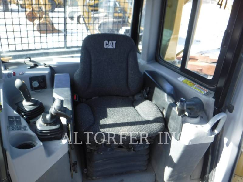 CATERPILLAR TRACTORES DE CADENAS D6T LGPPAT equipment  photo 9