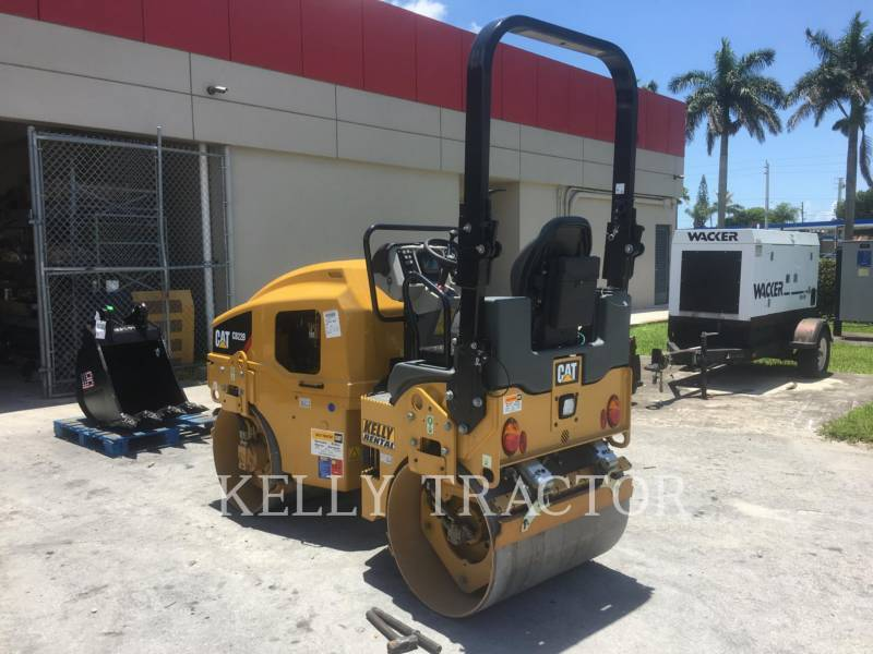 CATERPILLAR TAMBOR DOBLE VIBRATORIO ASFALTO CB 22 B equipment  photo 3