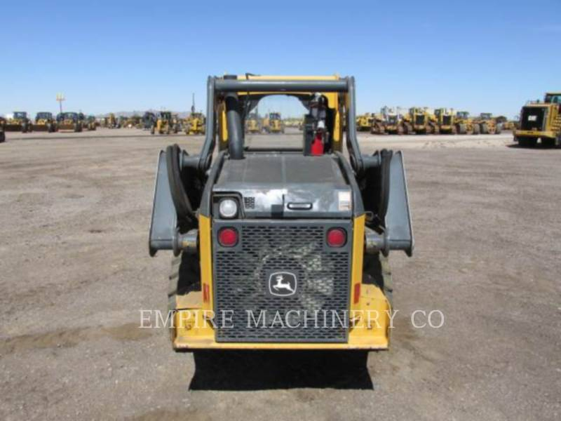 JOHN DEERE CHARGEURS COMPACTS RIGIDES 318E equipment  photo 4