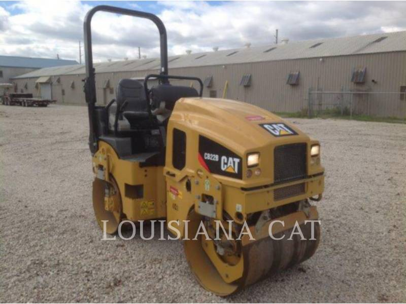 CATERPILLAR COMPACTORS CB22B equipment  photo 1