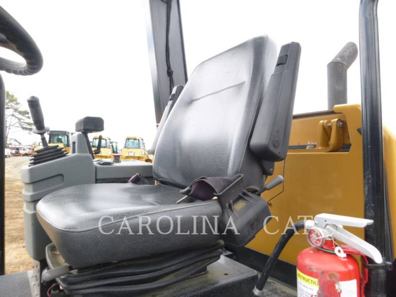 CATERPILLAR EINZELVIBRATIONSWALZE, GLATTBANDAGE CS44 equipment  photo 7