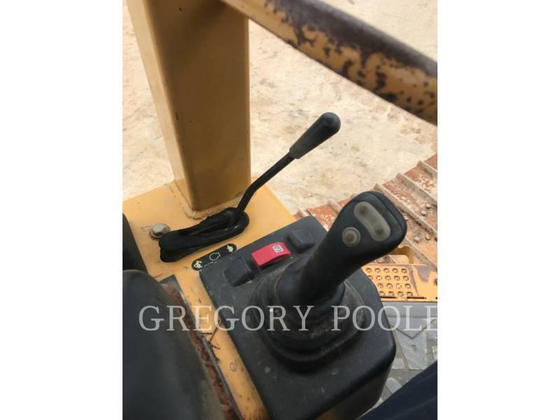 CATERPILLAR TRACTOREN OP RUPSBANDEN D5G LGP equipment  photo 24