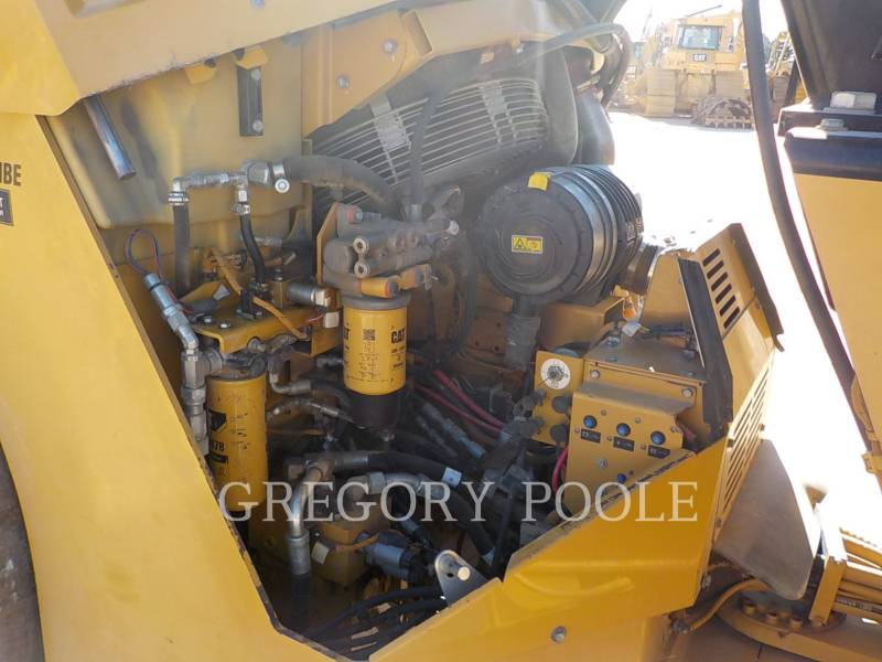 CATERPILLAR TANDEMOWY WALEC WIBRACYJNY DO ASFALTU (STAL-STAL) CB-54 equipment  photo 23