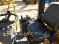 CATERPILLAR VIBRATORY SINGLE DRUM PAD CP-433E equipment  photo 23