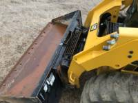 CATERPILLAR 滑移转向装载机 242 D equipment  photo 15