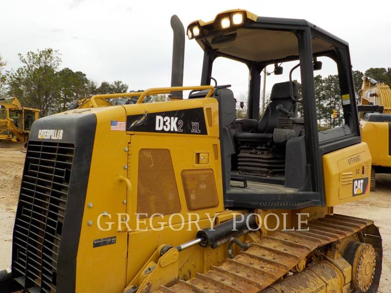 CATERPILLAR TRACK TYPE TRACTORS D3K2 XL equipment  photo 2