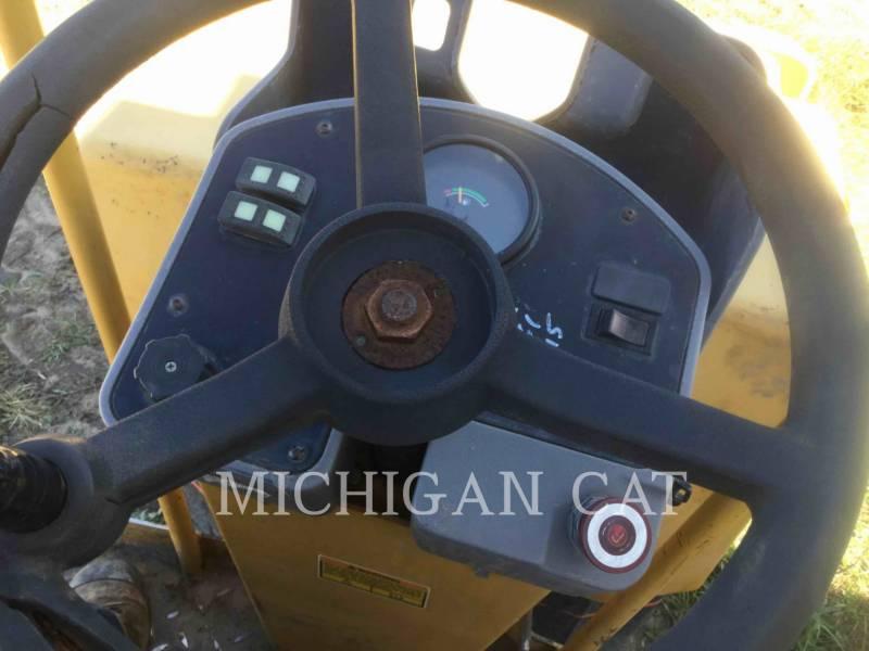 CATERPILLAR COMPACTEURS TANDEMS VIBRANTS CB224E equipment  photo 8