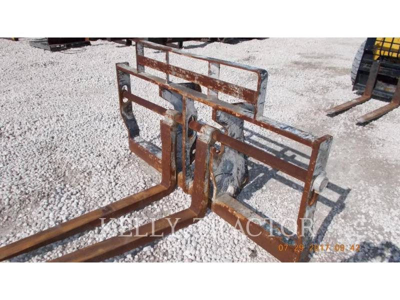 CATERPILLAR WT - FOURCHES FRAME AND TINE FOR TELEHANDLER equipment  photo 2
