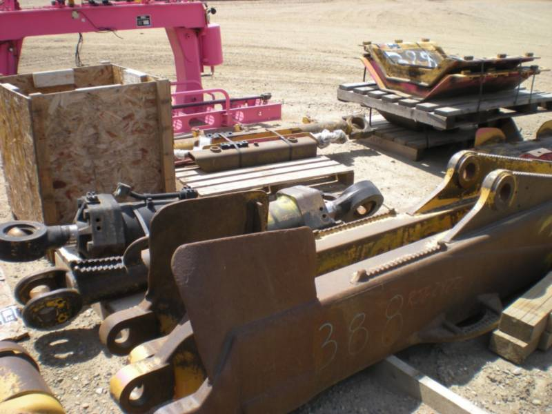 CATERPILLAR TRATORES DE ESTEIRAS D10T equipment  photo 16
