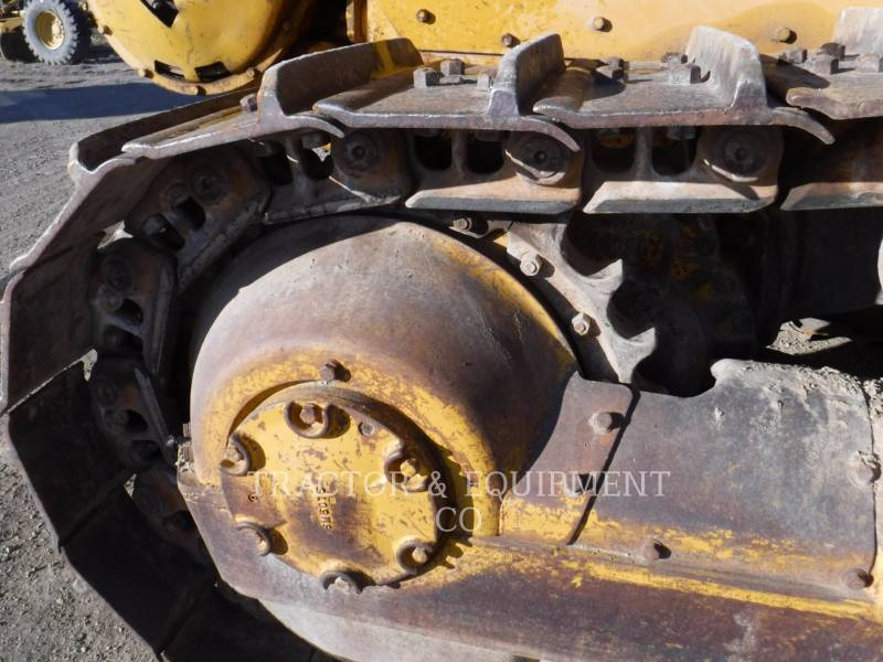 CATERPILLAR TRACK TYPE TRACTORS D6 equipment  photo 9