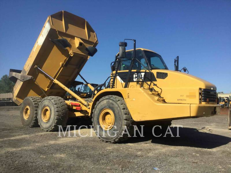 CATERPILLAR CAMIONES ARTICULADOS 740 T equipment  photo 3