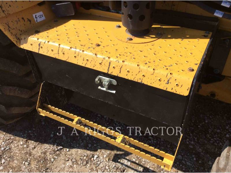 CATERPILLAR CHARGEUSES-PELLETEUSES 420F 4 equipment  photo 15