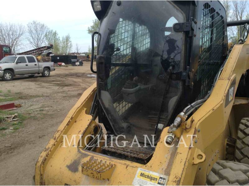 CATERPILLAR SKID STEER LOADERS 272C AQ equipment  photo 16