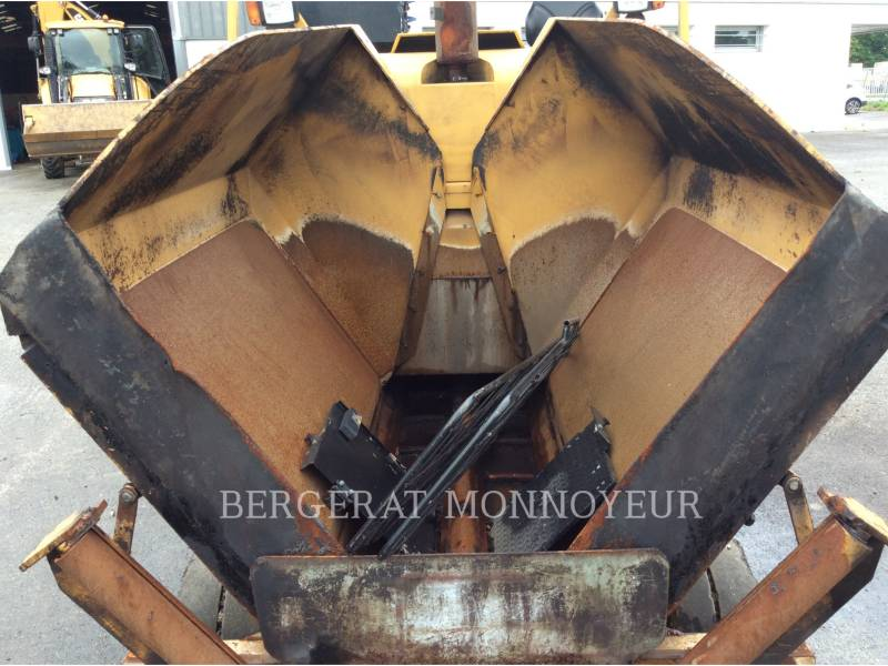 CATERPILLAR SCHWARZDECKENFERTIGER AP300 equipment  photo 7