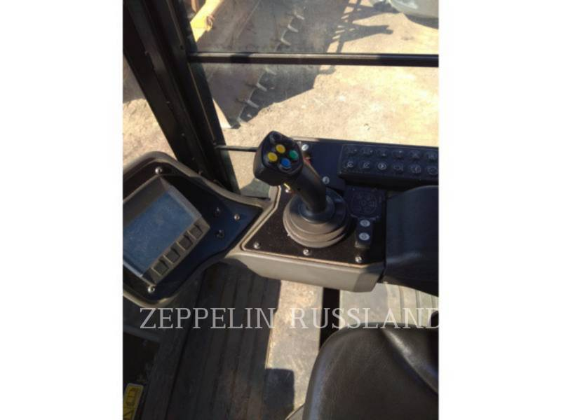 CATERPILLAR TANDEMVIBRATIONSWALZE, ASPHALT CB54B equipment  photo 9