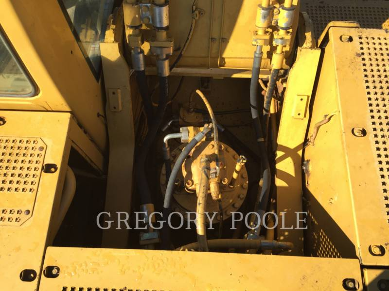 CATERPILLAR TRACK EXCAVATORS 330C L equipment  photo 17