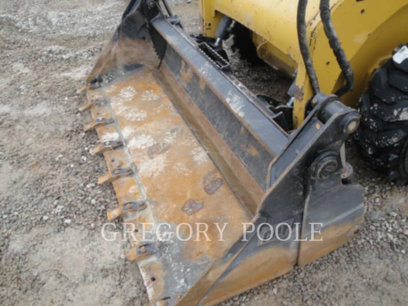 CATERPILLAR SKID STEER LOADERS 242B3 equipment  photo 10