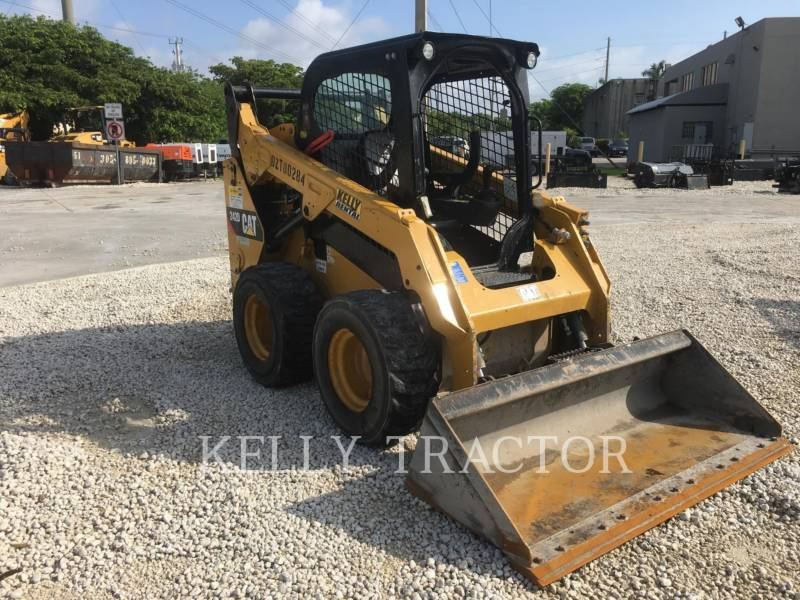 CATERPILLAR CHARGEURS COMPACTS RIGIDES 242D equipment  photo 8