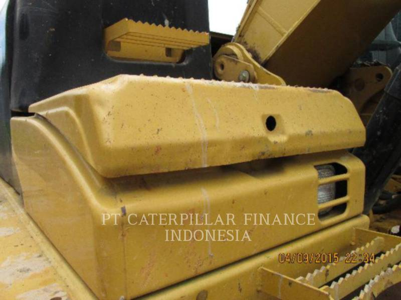 CATERPILLAR PELLES SUR CHAINES 320D equipment  photo 23