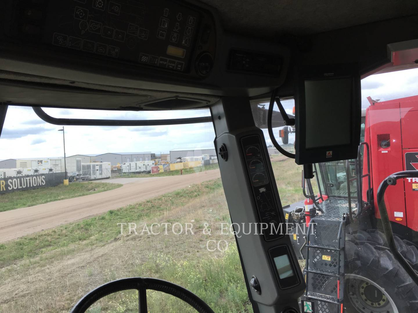 Detail photo of 2003 AGCO 670 from Construction Equipment Guide